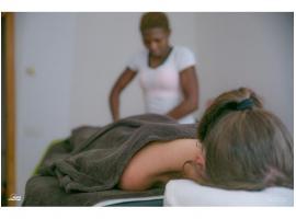 Servicios profesionales:masajes, faciales y exfoliación